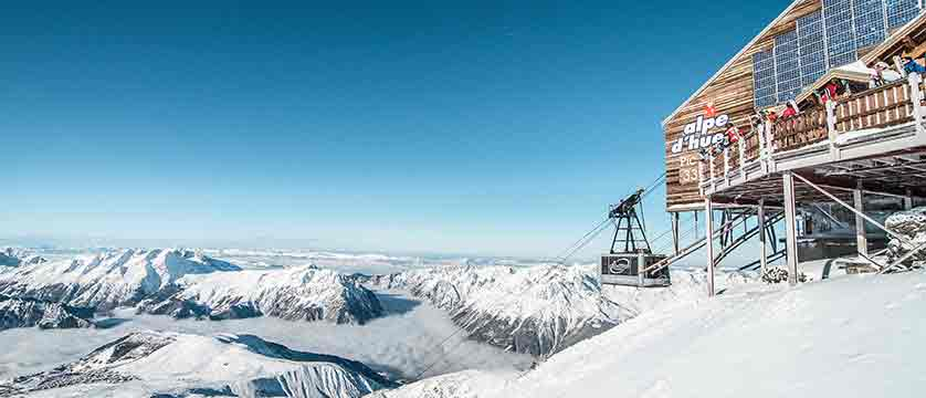 France_alpe_dhuez_cable_car_station.jpg
